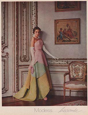 ORIG VINTAGE MAGAZINE AD/ 1951 MODESS SANITARY NAPKINS ADby: Beaton (Photographer), Cecil - Product Image